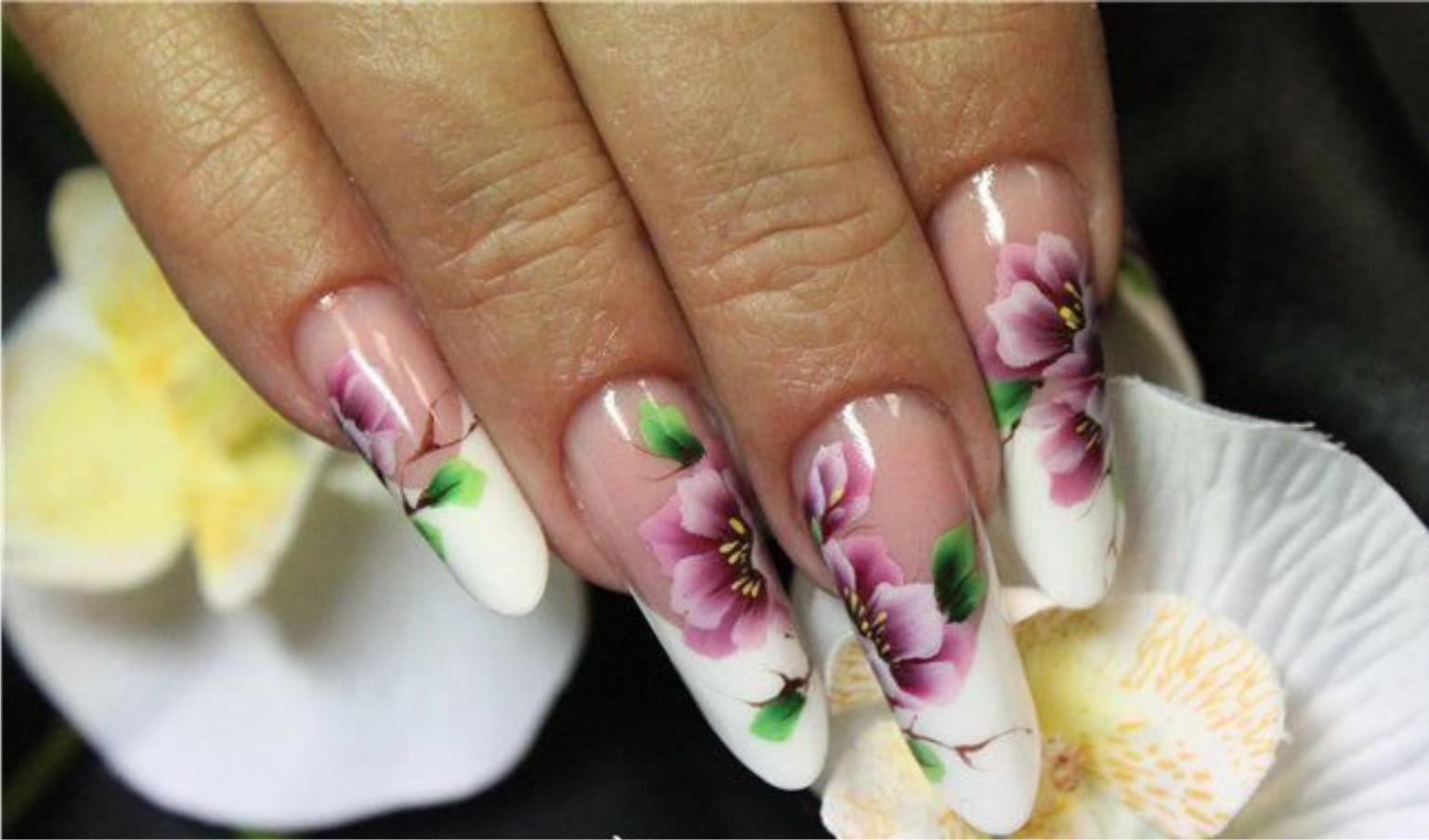 Китайские цветы на ногтях